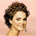 10-Hairstyles-for-SHORT-Curly-Hair