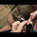 Easy-Way-to-Add-Ribbon-for-Ribbon-girl-hairstyle