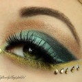 Smokey-Eye-Makeup-For-Brown-e...-Cut-Crease-Smokey-Eyes-With-Glitter-
