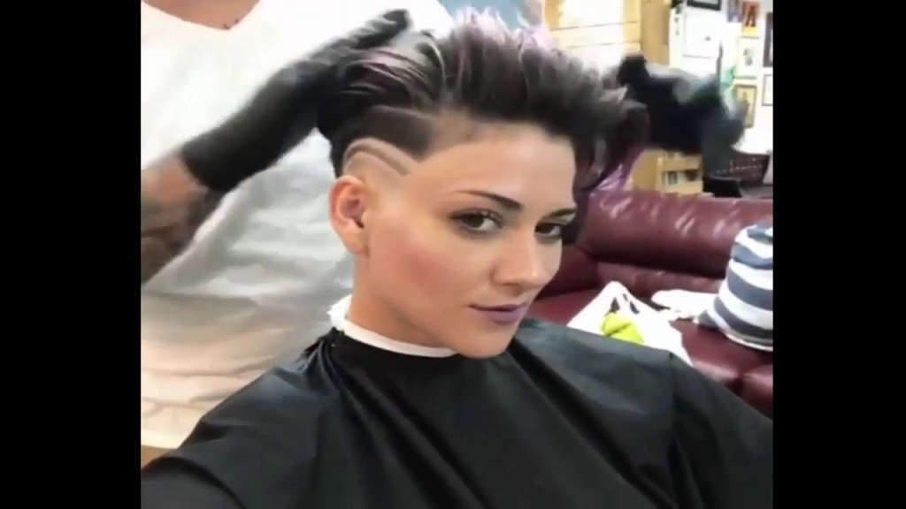 Extreme Short Buzzcut Haircut Women Undercut Headshave