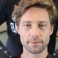 Shaun-White-Hair-Medium-Hairstyle-for-Men-Easy-Textured-Haircut-with-Side-Part-2018