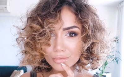 Hair-CURLY-HAIR-LONG-BOB-HAIR-STYLE-TUTORIAL-FOR-A-TEMPORARY-CURL