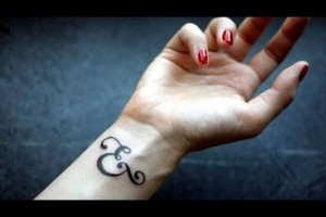 Small-Wrist-Tattoo-Ideas-for-Men-and-Women-2018-1